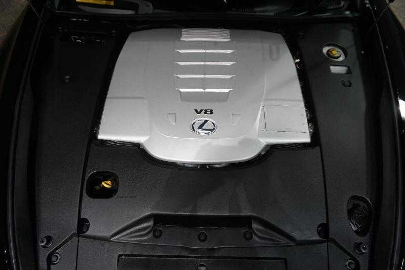 Lexus' engine
