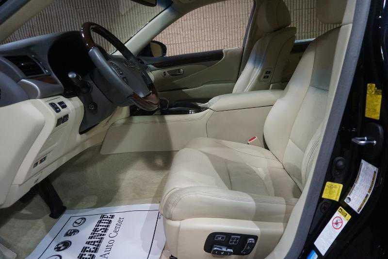 Lexus' driver seat